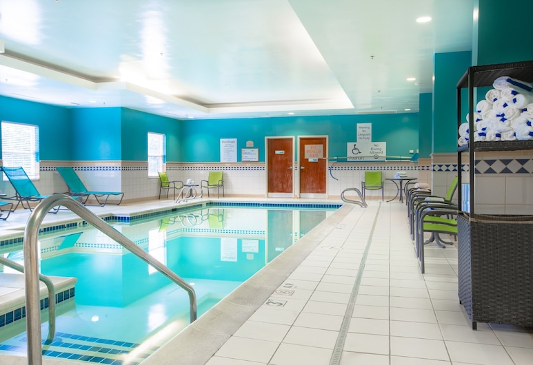 Holiday Inn Express & Suites Williamsburg, Williamsburg, Beltéri medence