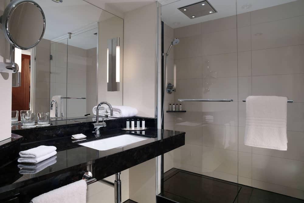 Panorama-Zimmer, 1King-Bett, Nichtraucher, Stadtblick - Badezimmer