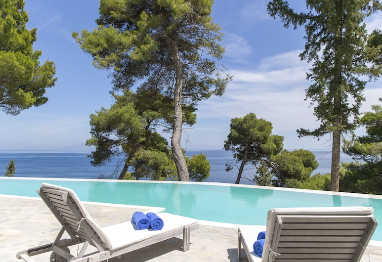 Corfu Holiday Palace Hotel, Krf, Deluxe bungalov, pogled na more (Sharing Pool), Pogled iz sobe za goste
