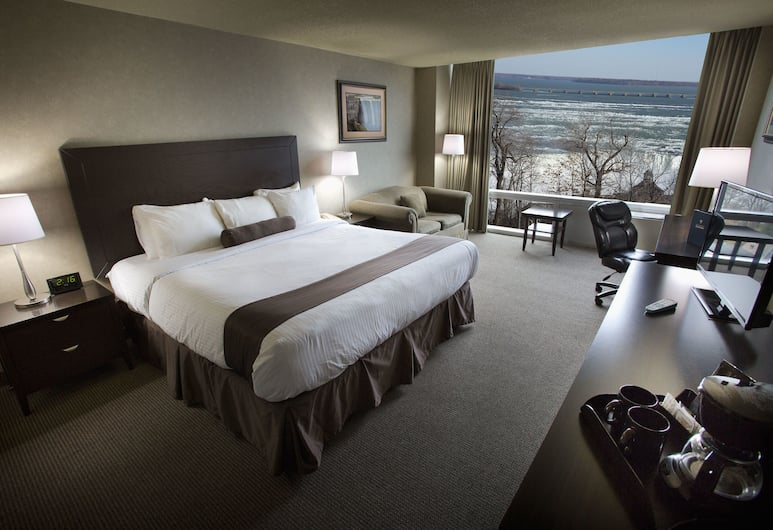 Oakes Hotel Overlooking the Falls, Niagara Falls, Premier Room, 1 King Bed with Sofa bed, Jetted Tub, River View, Guest Room