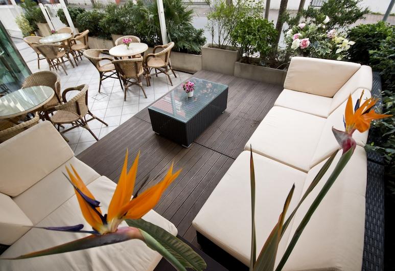 Hotel Kennedy, Rimini, Terasa/trijem