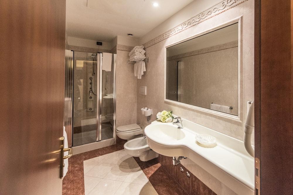 Camera Comfort con letto matrimoniale o 2 letti singoli - Bagno
