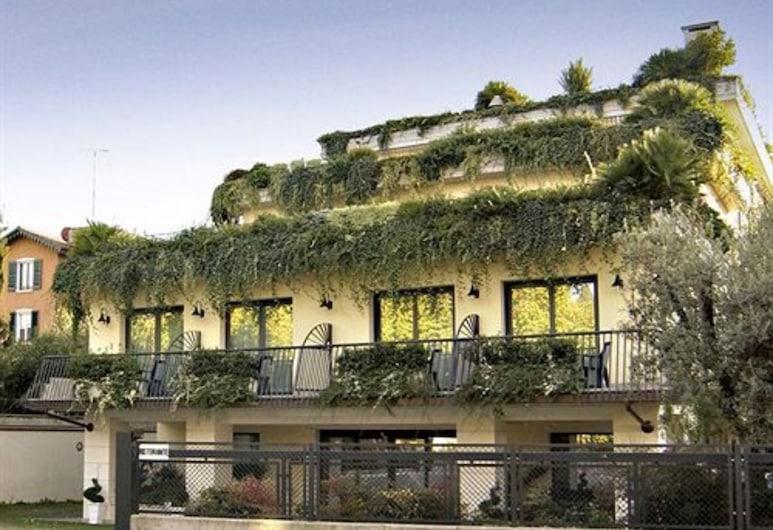 Admiral Hotel Villa Erme, Дезенцано-дель-Гарда, Фасад отеля