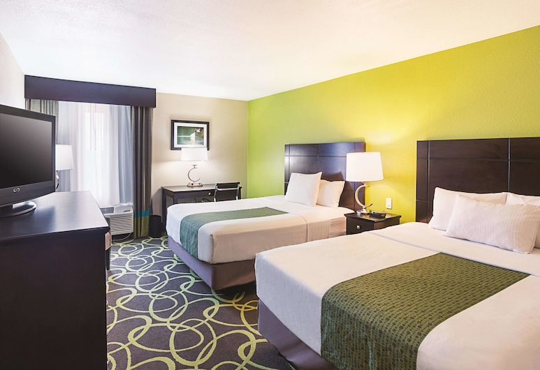 La Quinta Inn & Suites by Wyndham New Braunfels, New Braunfels, Room, 2 Queen Beds, Non Smoking, Guest Room