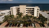 Choose This Cheap Hotel in Lauderdale-by-the-Sea