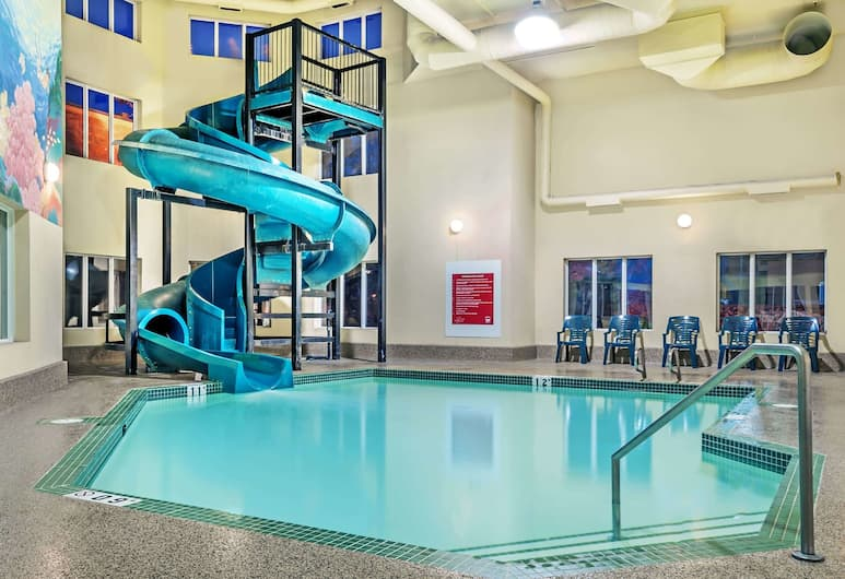 Super 8 by Wyndham Edmonton South, Edmonton, Pool