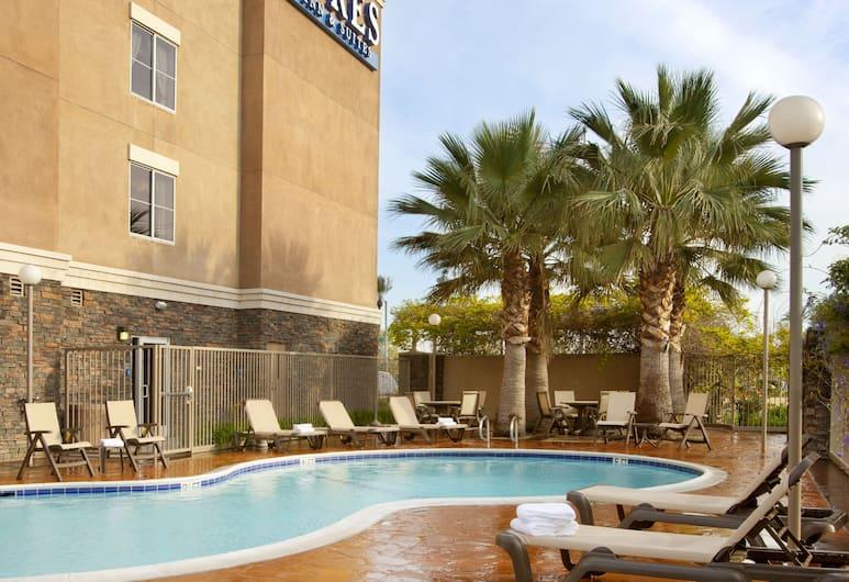 安大略米爾斯購物中心艾爾絲飯店, 安大略, 室外游泳池