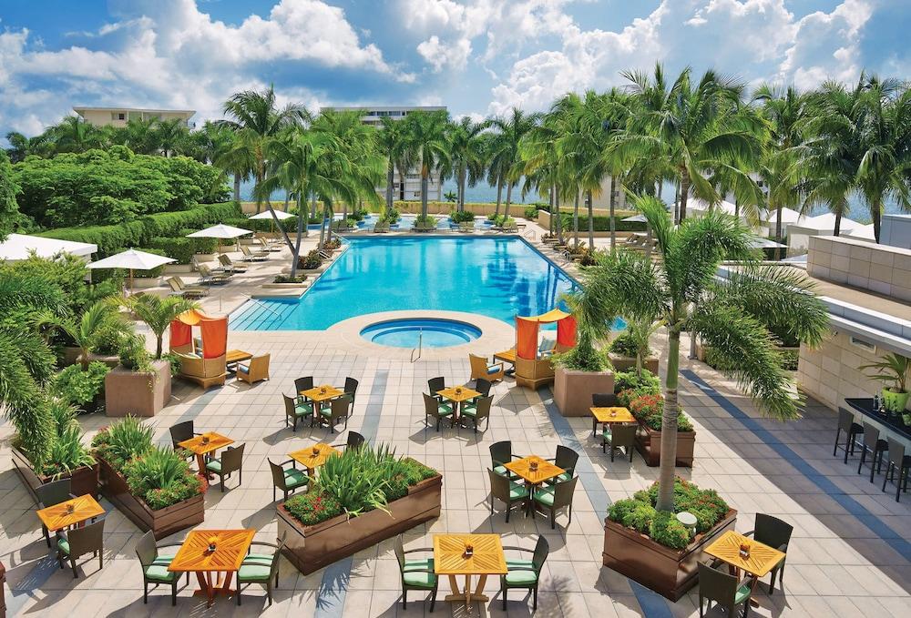 Four Seasons Hotel Miami, Miami