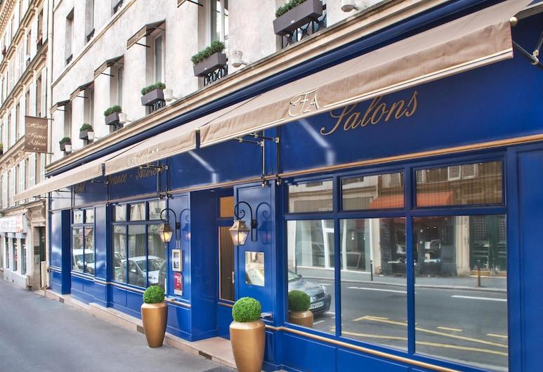 Hotel France Albion, Paris, Hotel Entrance