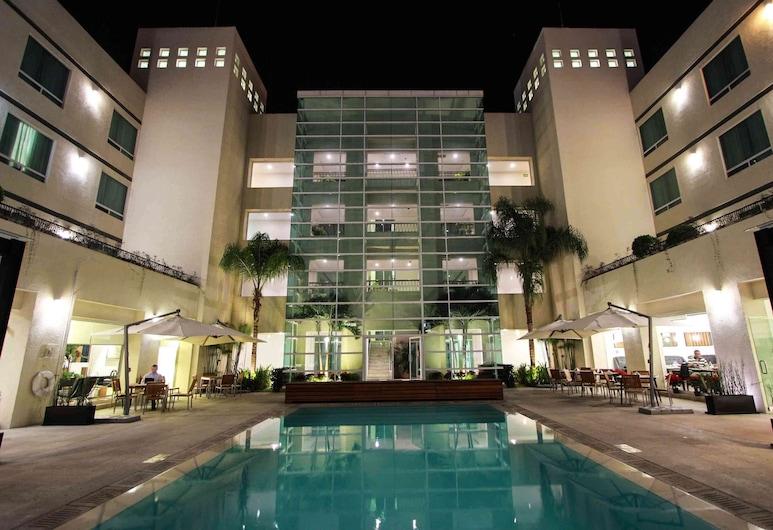 Radisson Poliforum Plaza Hotel, Leon, Outdoor Pool