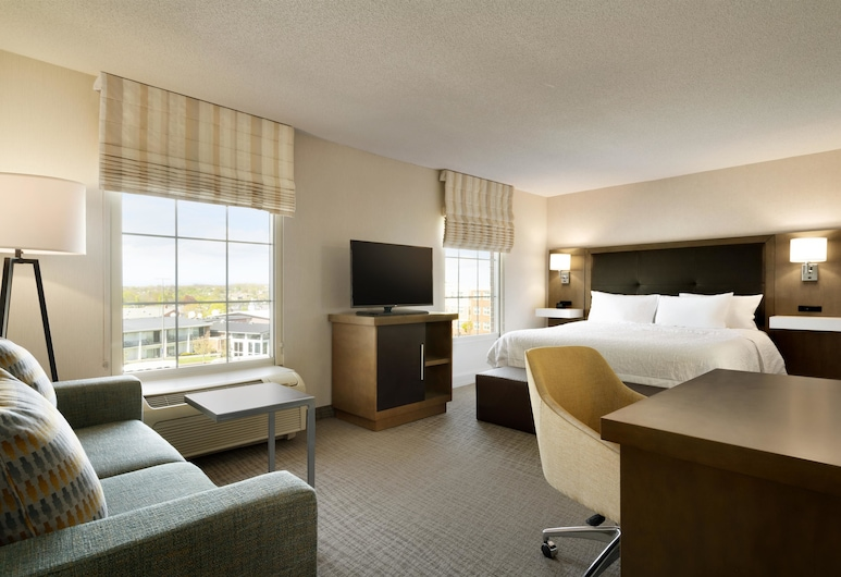 Hampton Inn & Suites Newport/Middletown, Middletown, Studio, 1 Double Bed, Accessible, Non Smoking (Roll-In Shower), Guest Room View