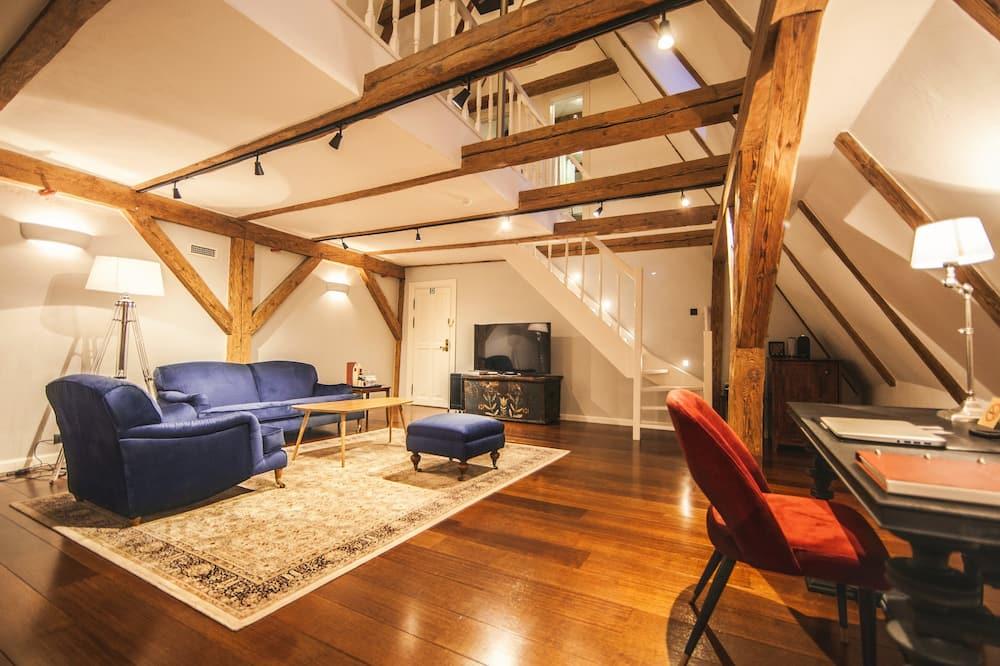 Suite, 1 Queen Bed - Guest Room