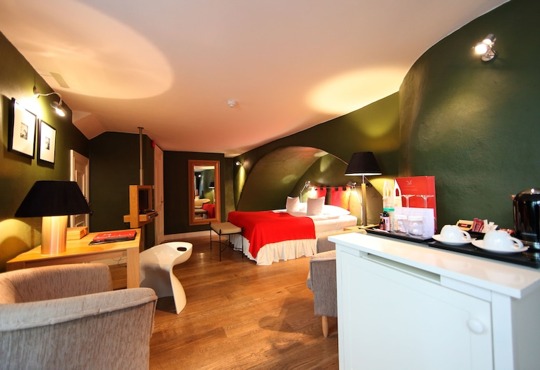 The Three Sisters Hotel, Tallinn, Deluxe Room, 1 Queen Bed, Guest Room