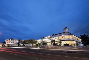 Picture of Tradewinds Hotel in East Fremantle
