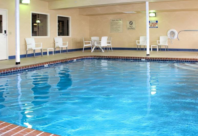 Comfort Inn & Suites St. Louis - Chesterfield, צ'סטרפילד, בריכה
