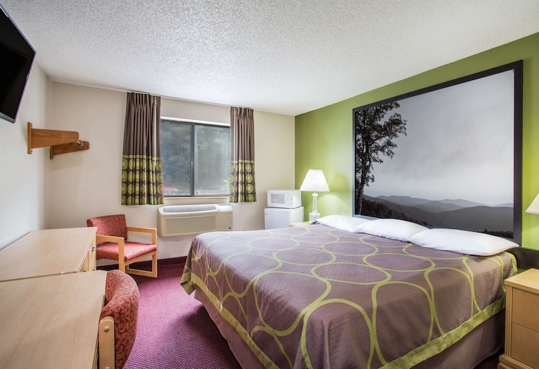 Super 8 by Wyndham Salem VA, Salem, Room, 1 King Bed, Non Smoking, Guest Room