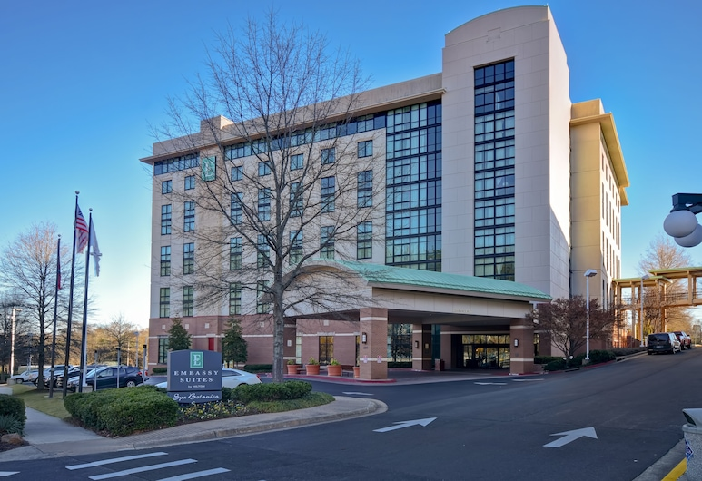 Embassy Suites by Hilton Hot Springs Hotel & Spa, Hot Springs