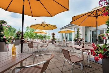 Picture of Hilton Garden Inn Montreal Airport in Montreal