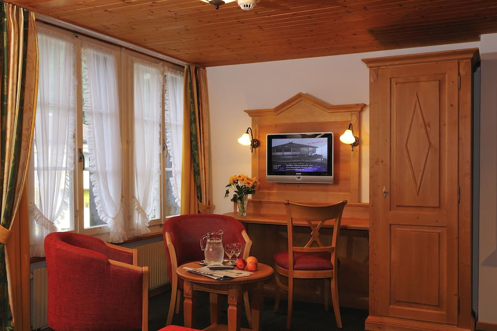 Superior Twin Room, Balcony - Living Area