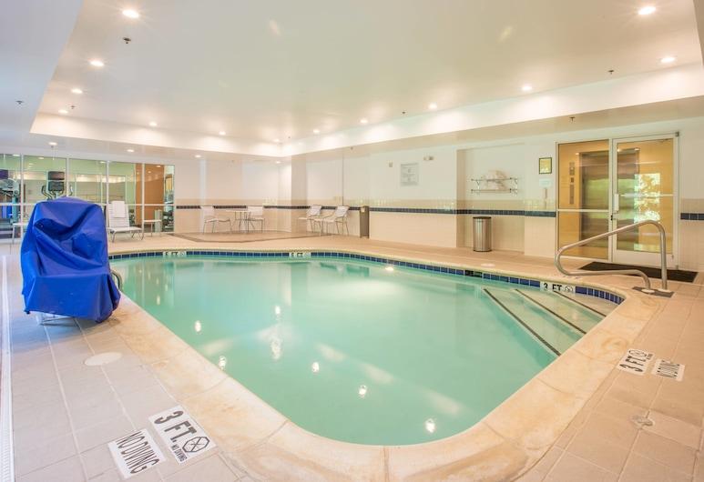 Fairfield Inn & Suites by Marriott Columbus, Columbus, Indoor/Outdoor Pool
