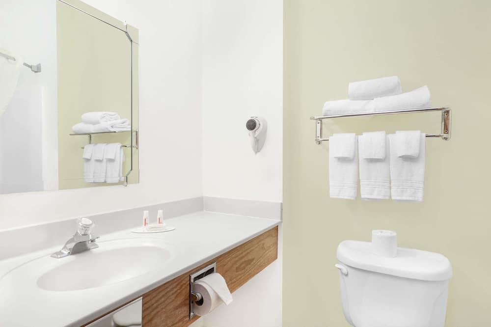Double Room, 2 Katil Kelamin (Double), Smoking - Bilik mandi