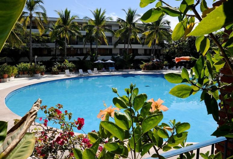 天堂別墅飯店, 伊斯塔帕, 室外游泳池