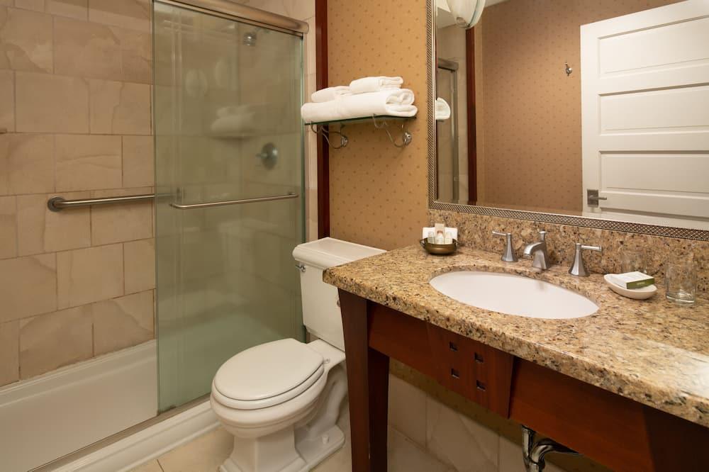 ห้องดีลักซ์, เตียงควีนไซส์ 1 เตียง, วิวเมือง - ห้องน้ำ