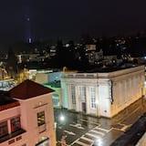 ห้องดีลักซ์, เตียงควีนไซส์ 1 เตียง, วิวเมือง - มุมมองถนน