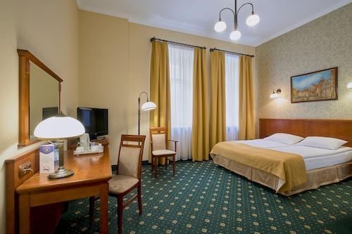 恒曼酒店/