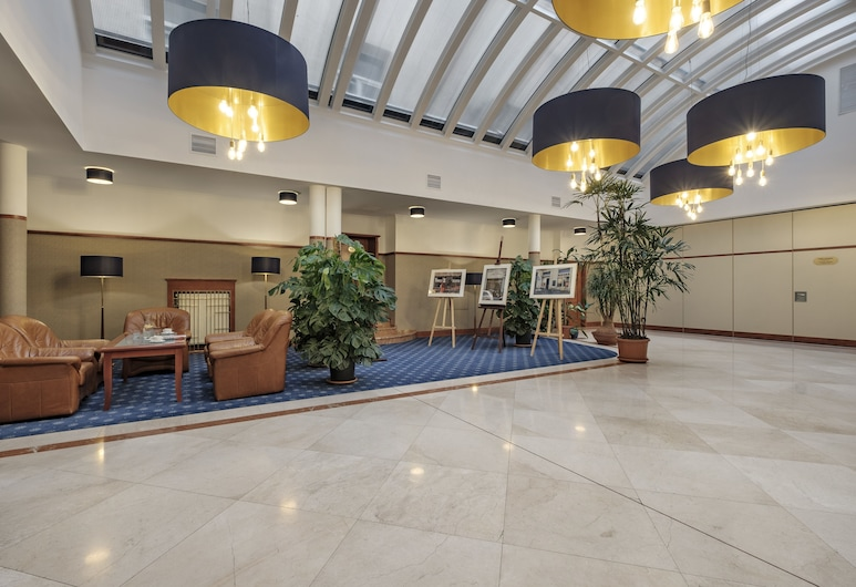 Hotel Hetman, Warszawa, Sittområde i lobbyn