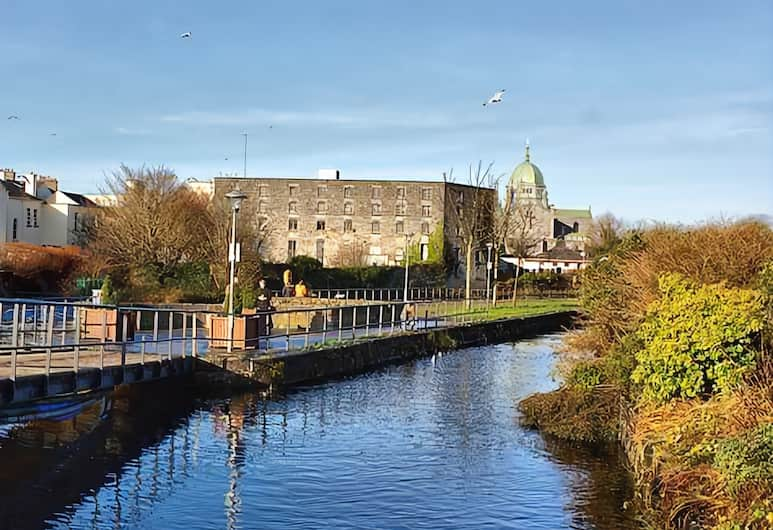 Imperial Hotel, Galway, Lake