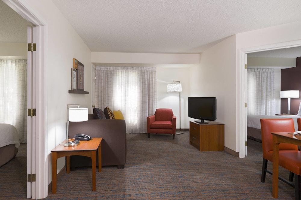 Suite, 2 Bedrooms, Non Smoking - Bilik Tamu