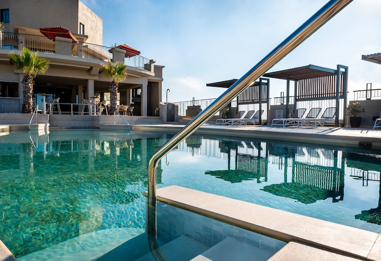 Malta Marriott Hotel & Spa, St. Julians, Piscina en el piso superior