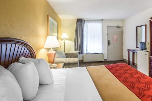 羅德威套房飯店/