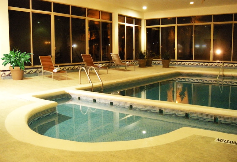 DoubleTree Suites by Hilton Hotel Saltillo, Saltillo, Indoor Pool