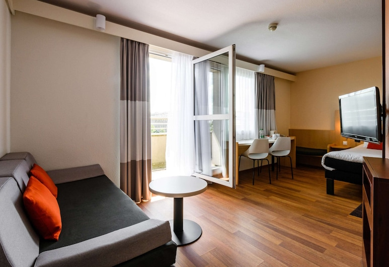 ibis Warszawa Stare Miasto Old Town, Warsaw, Junior Suite, 1 Double Bed with Sofa bed, Balcony, Guest Room