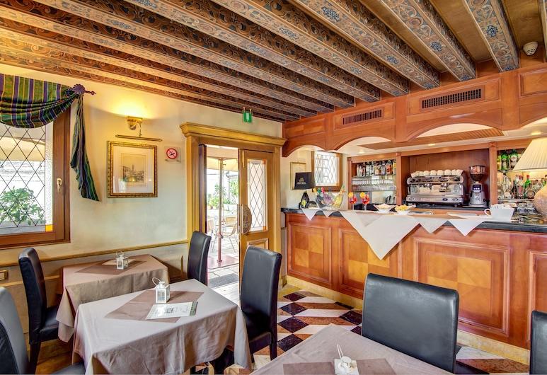 Hotel Antiche Figure, Venetsia, Hotellin baari