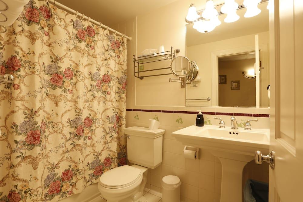 Zimmer (Shared Bath) - Badezimmer