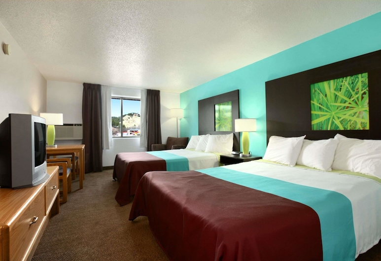 Super 8 by Wyndham Rapid City Rushmore Rd, Rapid City, Double Room, 2 Double Beds, Guest Room