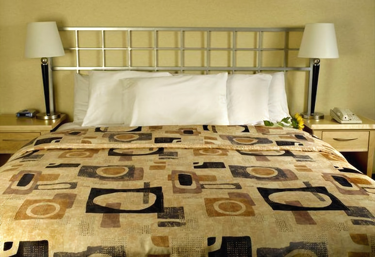 Inn on Broadway, San Francisco, Deluxe Room, 1 King Bed, Living Area