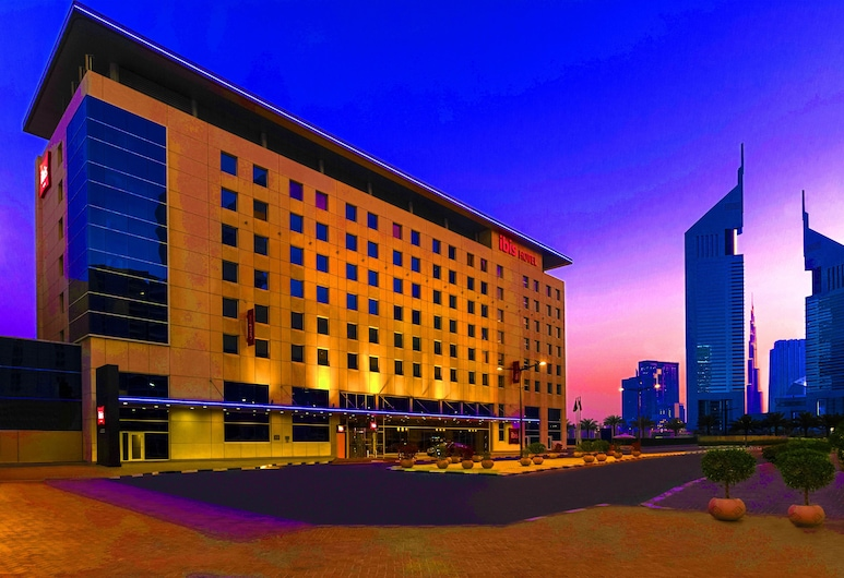 ibis World Trade Centre Dubai, Dubai, Hotel Front – Evening/Night