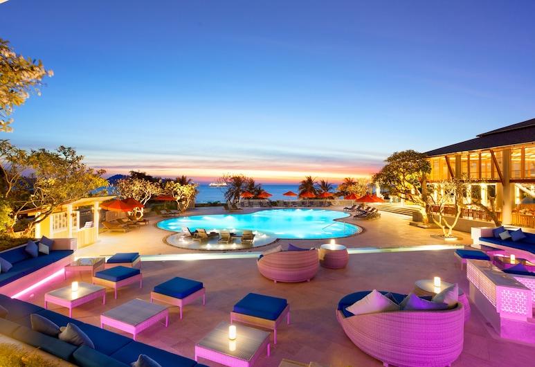 Diamond Cliff Resort and Spa, Patong, Poolside Bar