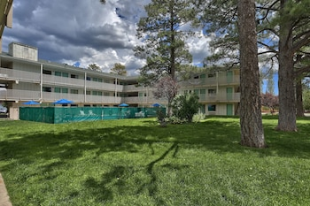 תמונה של Motel 6 Flagstaff West - Woodland Village בפלאגסטאף