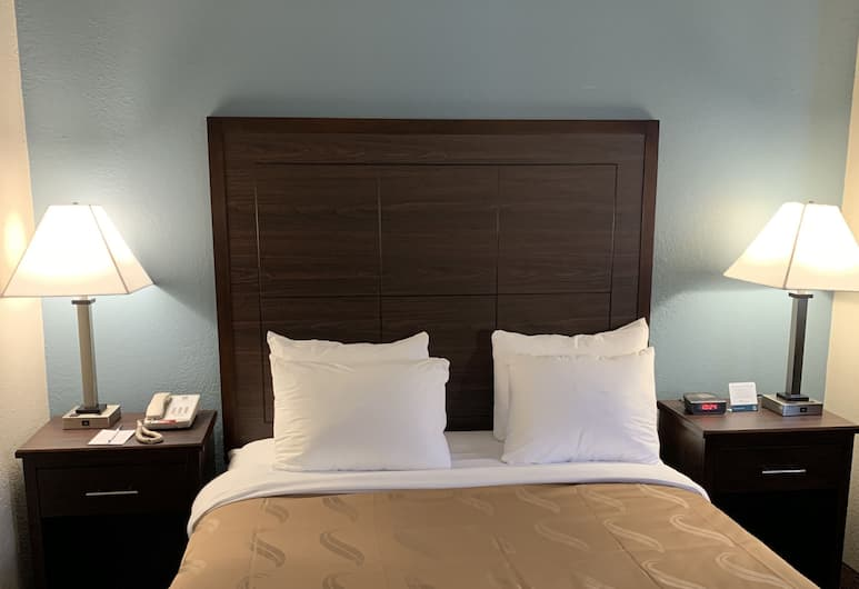 Quality Inn, Madison, Standard Room, 1 Queen Bed, Non Smoking, Guest Room