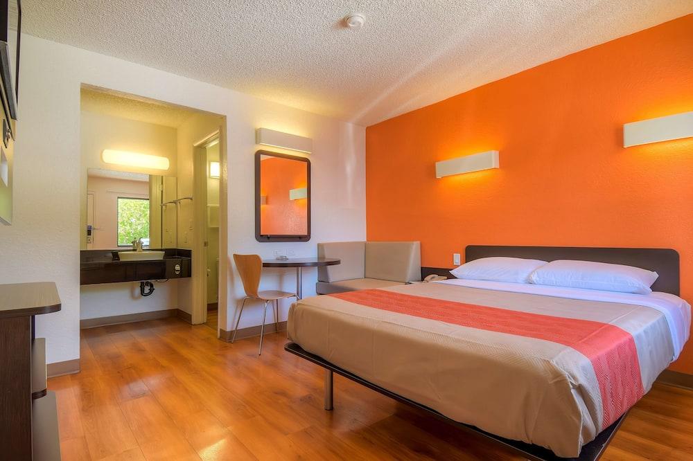 Štandardná izba, 1 dvojlôžko, bezbariérová izba, nefajčiarska izba - Hosťovská izba