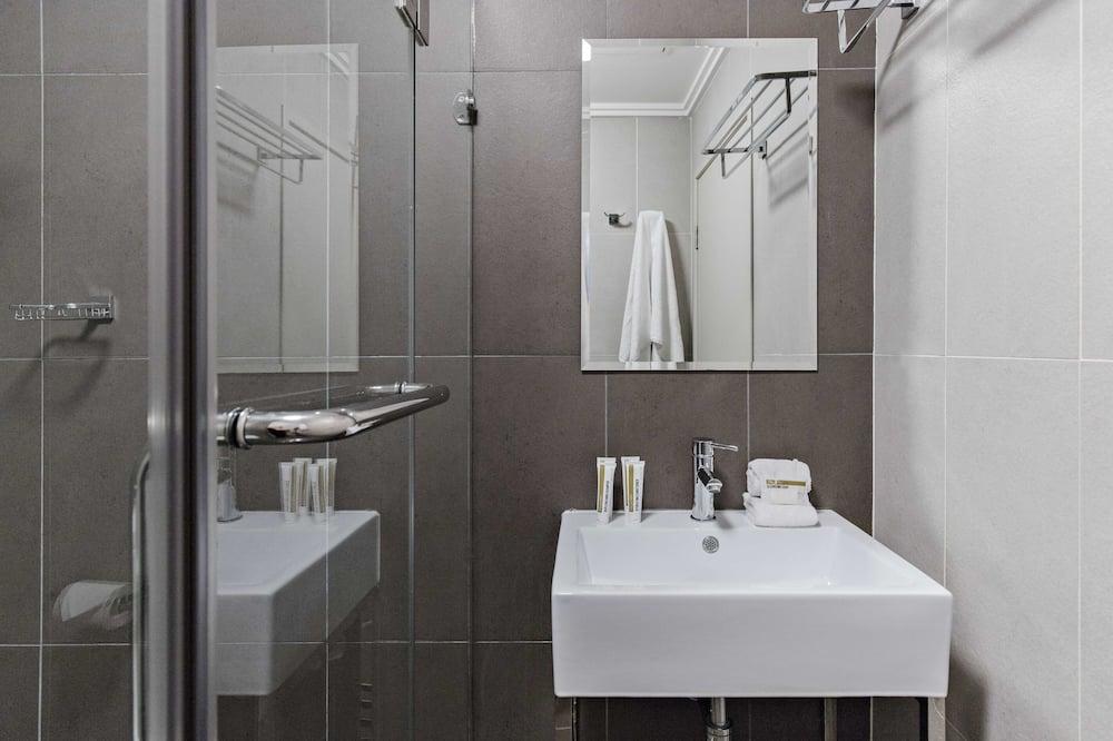Phòng, 1 giường đôi (Small) - Phòng tắm