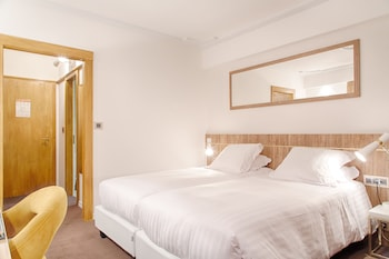 Introduce las fechas para ver los descuentos de hoteles en Crans-Montana