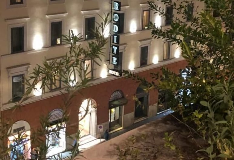 Hotel Aphrodite, Rome, Hotel Front – Evening/Night