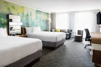 Picture of Courtyard by Marriott Chicago Magnificent Mile in Chicago
