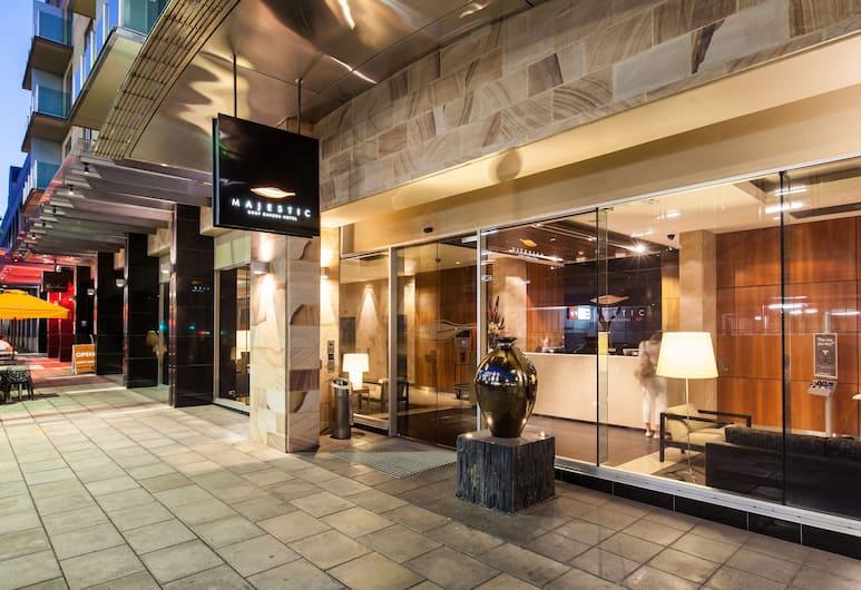 Majestic Roof Garden Hotel, Аделаида, Вход в отель
